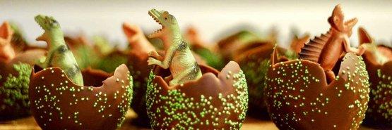 Maak je eigen dinosaurus ei