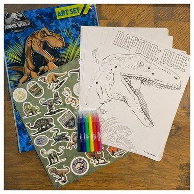 Dinosaurus Kleuren en Stickers plakken  (voor onderweg)