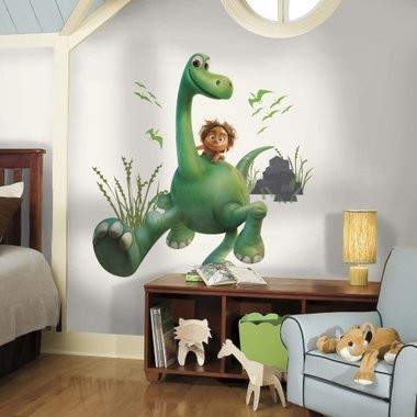 Muursticker The Good Dinosaur Arlo XL