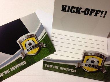 Uitnodigingen 8x voetbalfeest (goal)