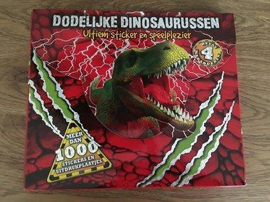 Sticker en Spelboek: Dodelijke dinosaurussen